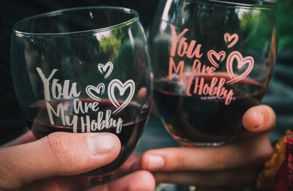 Pimeda õhtu teeb meeldivamaks klaasike veini? Nende märkide järgi saad aru, et see ei kõlba enam juua
