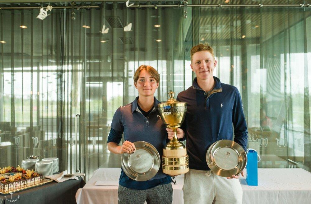 Estonian Amateur Openi võitjad Ilari Saulo ja Aleksandra Tšekalina.