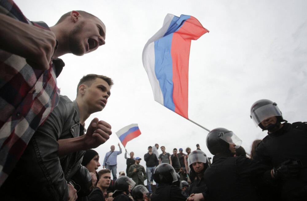 BLOGI ja VIDEO | Venemaa massimeeleavaldustel on vahistatud korraldaja Navalnõi ja üle 1000 protestija