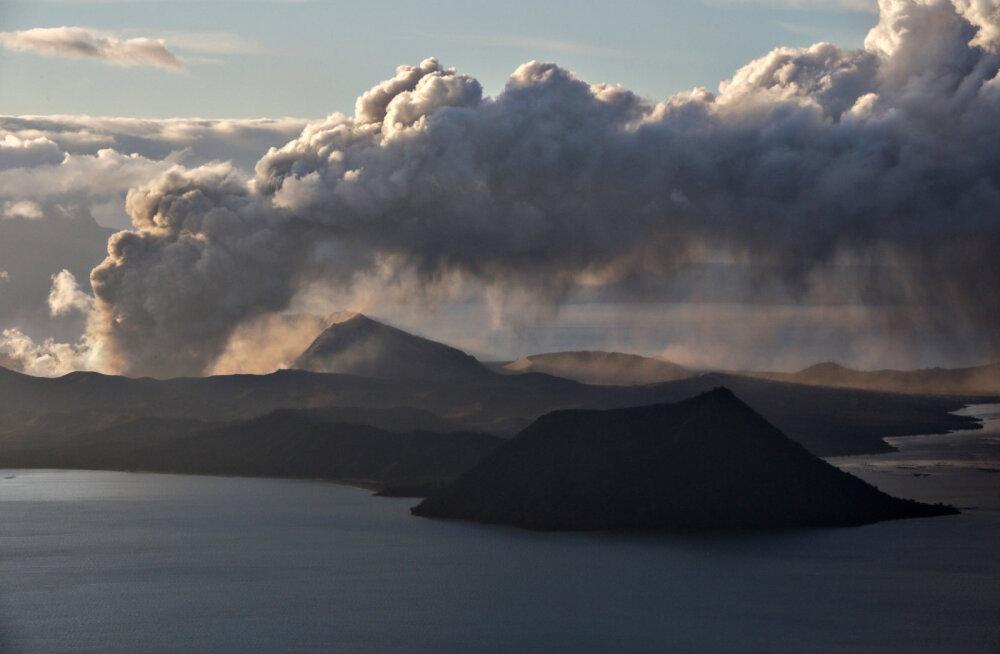 ГАЛЕРЕЯ: Извержение вулкана Таал на Филиппинах