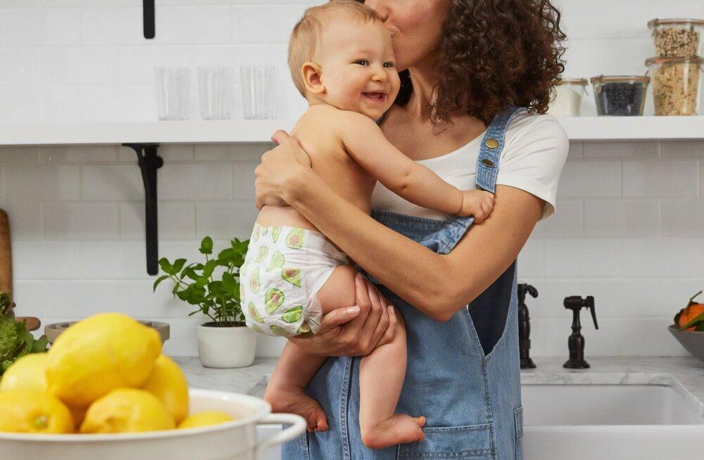 Kuus kuuma suvepäeva reeglit beebide vanematele