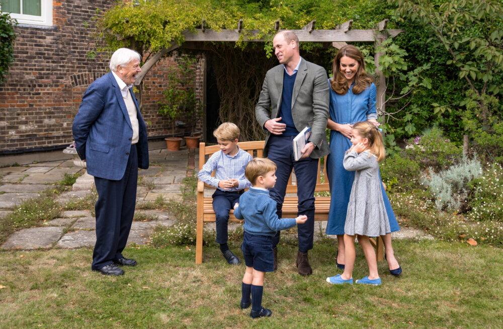 Кейт Миддлтон и принц Уильям опубликовали фото подросших детей