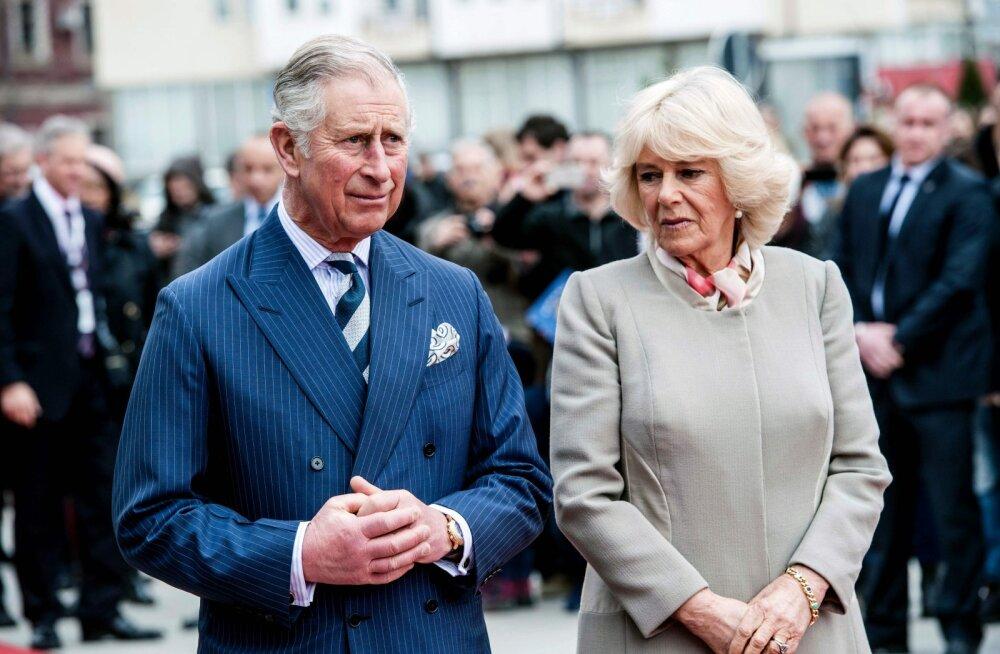 Kuninglik paljastus: prints Charles semmis enne Camillat tema kauni teisikuga