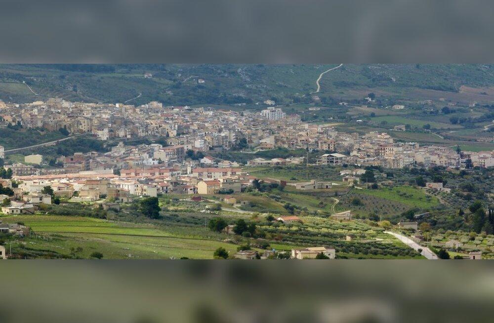Сотню домов в Италии выставили на продажу за один евро