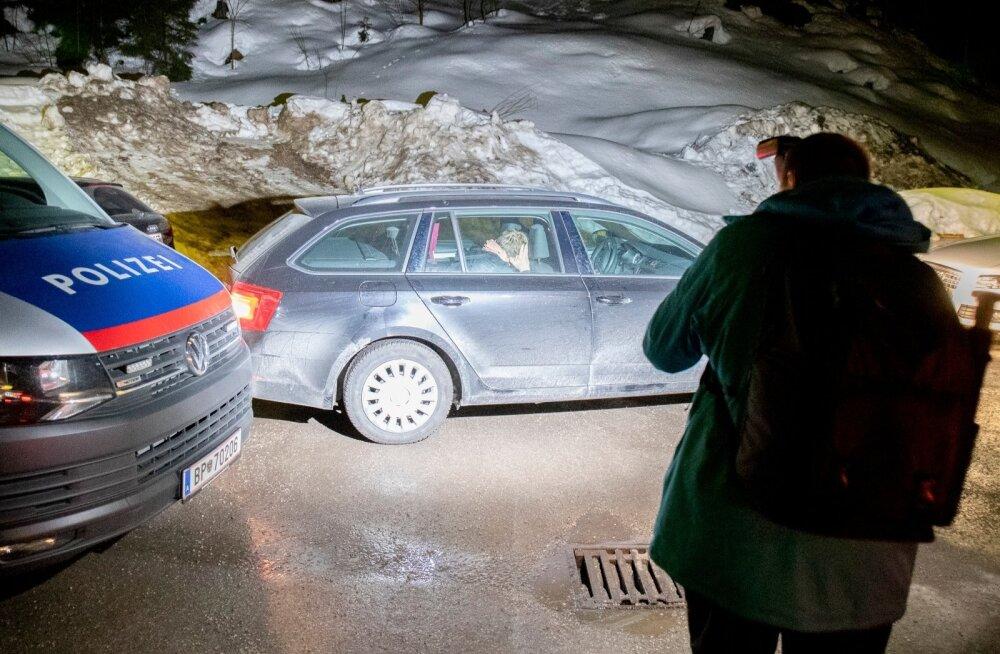 Innsbrucki politseijaoskonnast Seefeldi osakonda saabunud suusatajad ehmusid meediat nähes ja panid plagama.