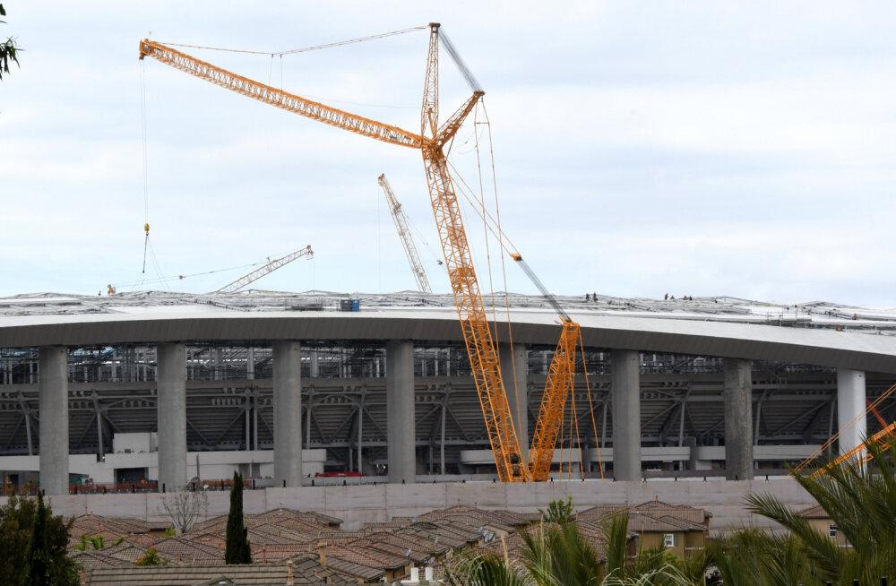 Maailma kalleima staadioni ehitus pandi pausile: tööline kukkus 33 meetri kõrguselt surnuks