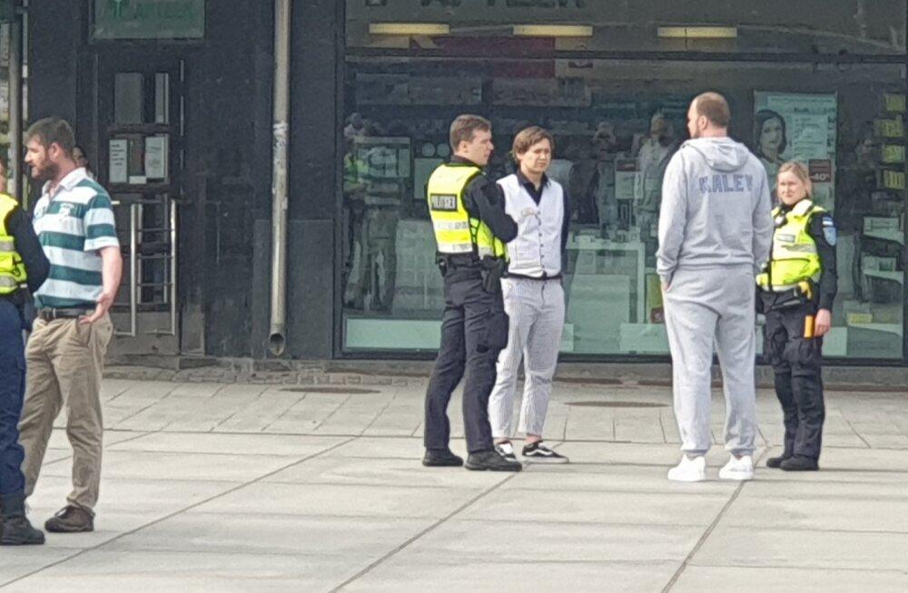 KLÕPSUD   Viis patrulli ja ähvardaja! Sten Erik Jantson sattus rahumeelselt lahenenud segaduse keskmesse