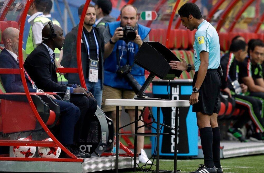 Soccer Confed Cup Mexico Russia