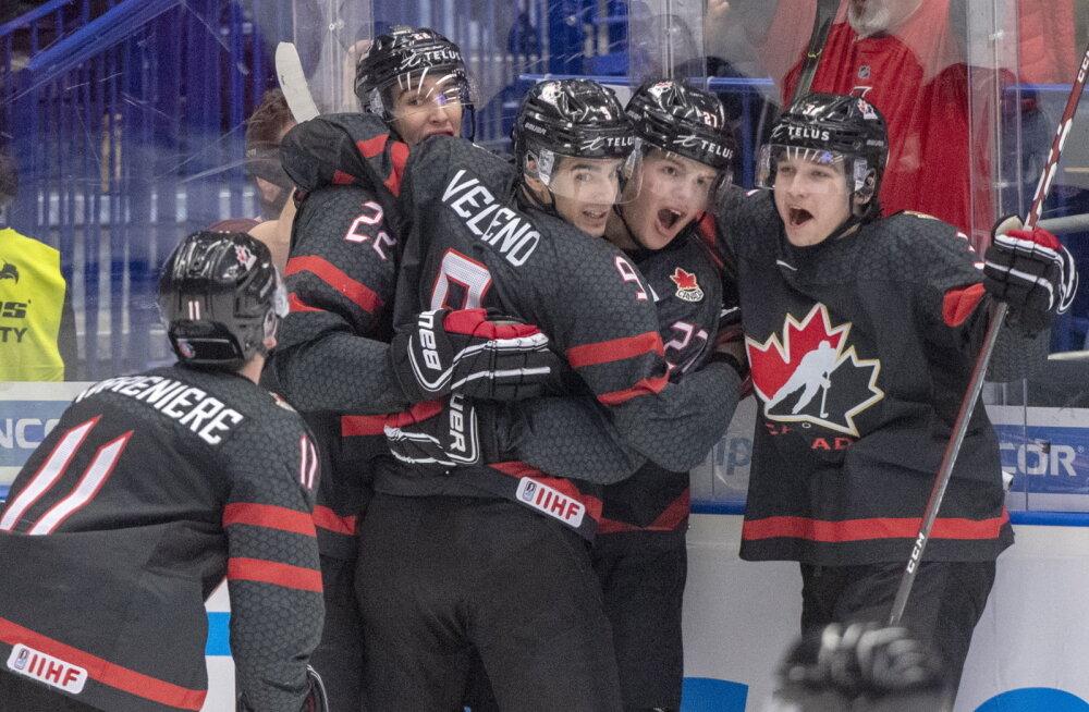 Россия пропустила три шайбы подряд и уступила Канаде в финале чемпионата мира