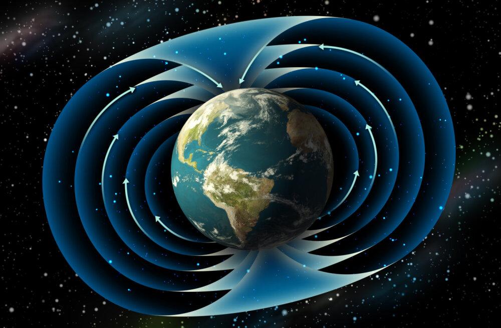 Maa magnetpõhjapoolus nihkub üha kaugemale, ületas nullmeridiaani