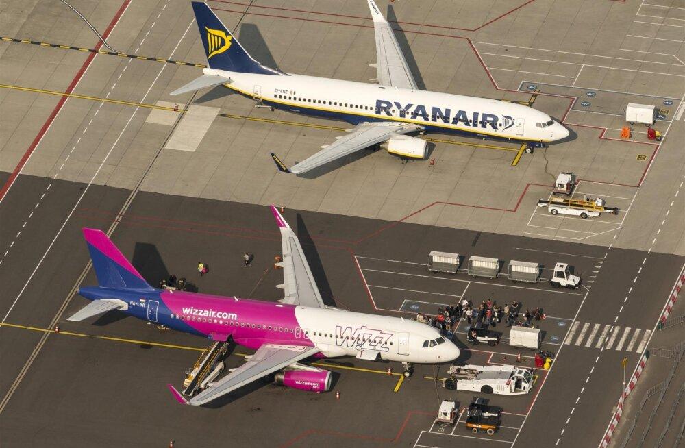 Ahnus sai tasu! Lennufirmadele Ryanair ja Wizz Air määrati miljonitesse eurodesse ulatuvad trahvid uue käsipagasi poliitika tõttu