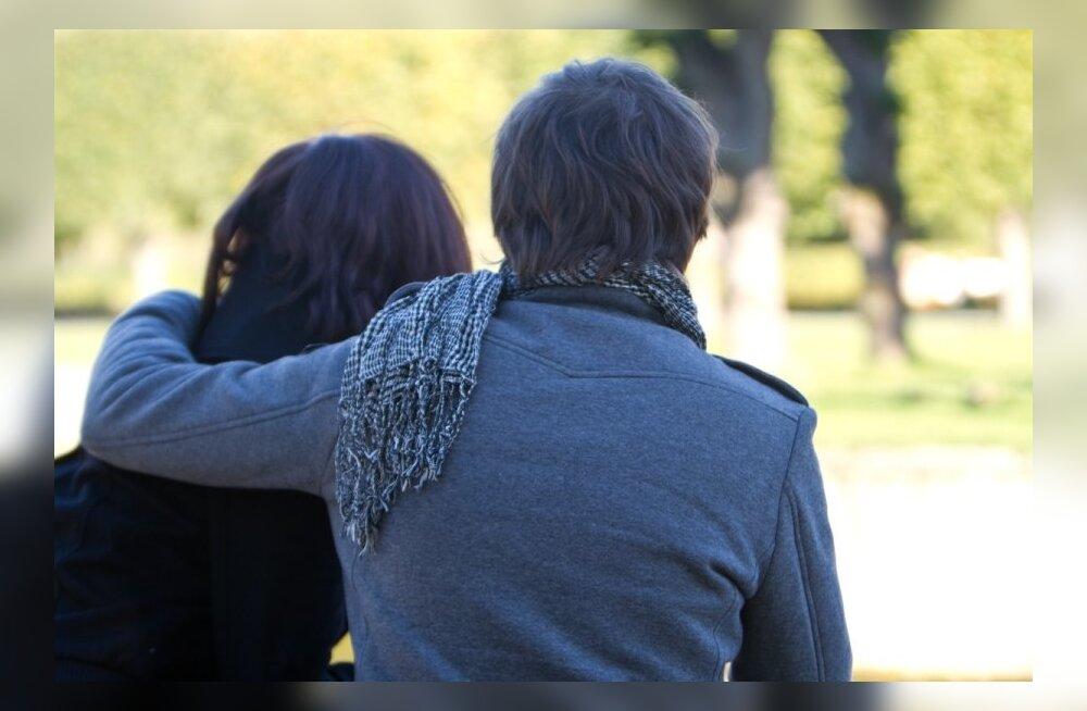Дружба с бывшими – признак психического расстройства