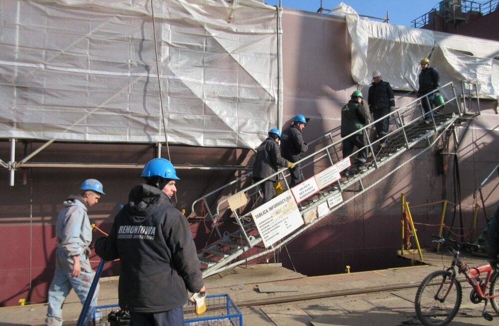 Gdanski laevatehases, kus valmivad Tallinna Sadama tellitud kaks uut parvlaeva
