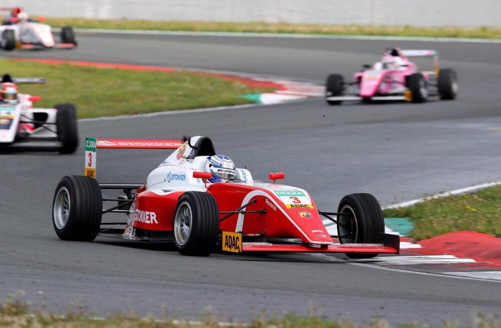 Paul Aron teenis F4 Hollandi etapil hooaja teise võidu, kuid viimase sõidu katkestas