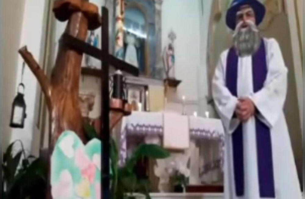 ВИДЕО | Facebook превратил проповедь итальянского священника в комедию
