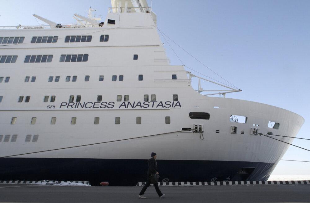 Rootsi meedia: Helsingisse suunduv reisilaev sõitis Stockholmi lähistel karile