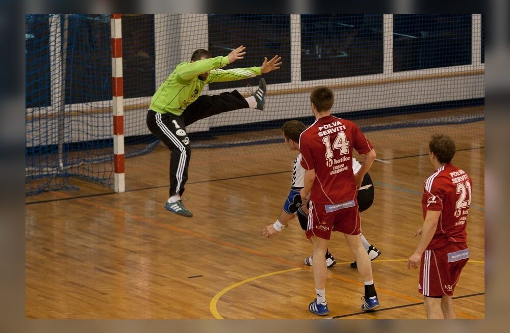 Käsipall, Serviti-Kehra