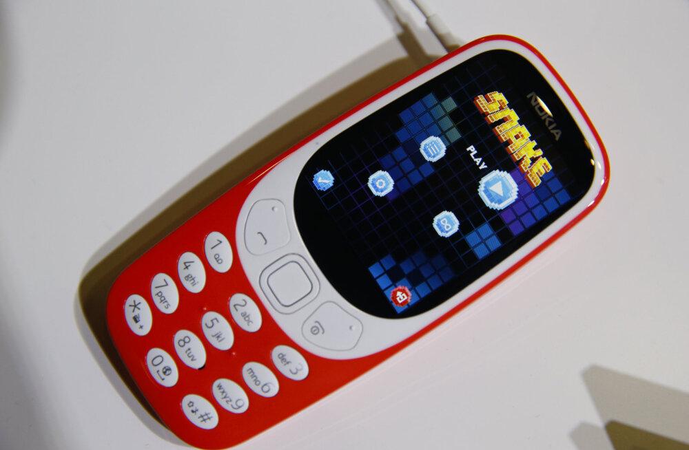 Legendaarse Nokia 3310 uusversioon jõudis täna Euroopas lettidele, eestlastele telefoni esimese hooga ei jätkunud