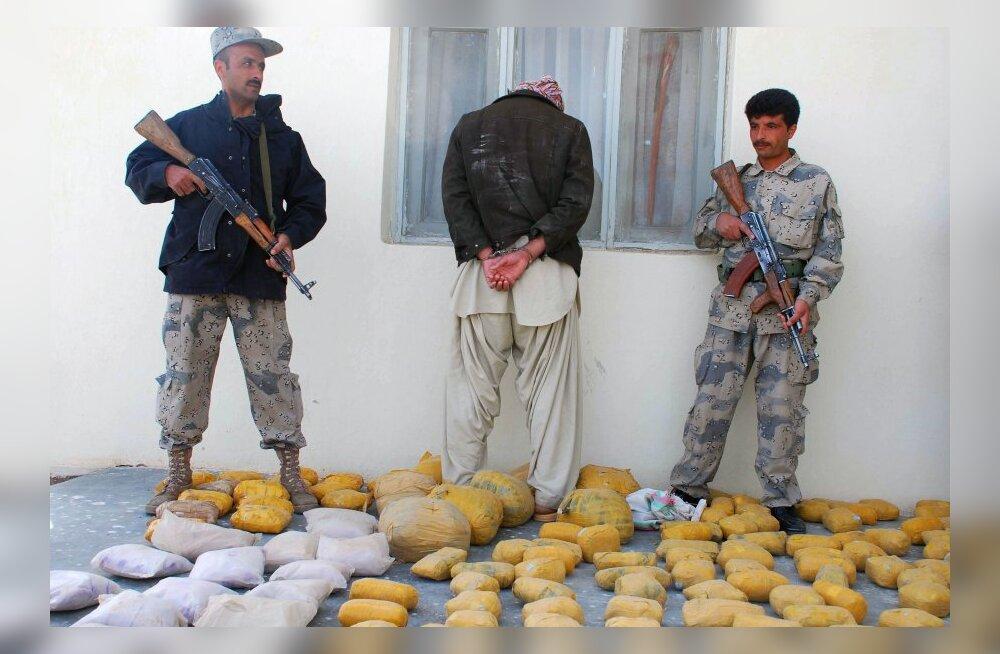 Afganistan on küll maailma suurim oopiumitootja, aga narkootikumide vedajaid ähvardab sealgi surmanuhtlus.