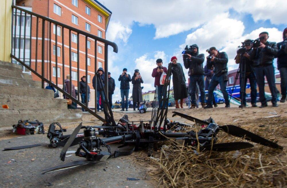 VIDEO   Esimene postidrooni katsetus Venemaal lõppes sööstuga vastu majaseina