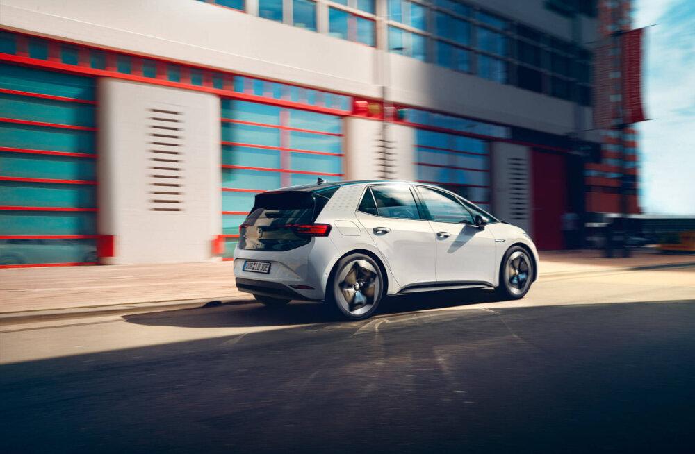 """Volkswagen ID.3 valmib """"poolikuna"""", aga viivitada pole trahvide tõttu võimalik"""