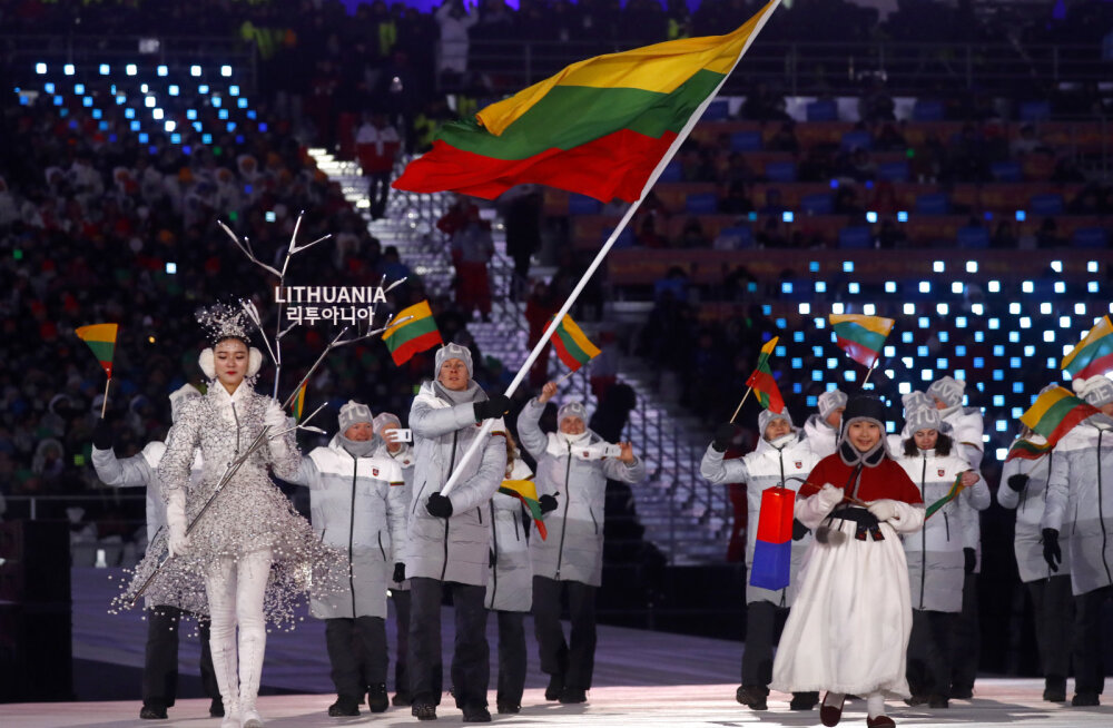 Tomas Kaukenas olümpia avamisel Leedu lipuga