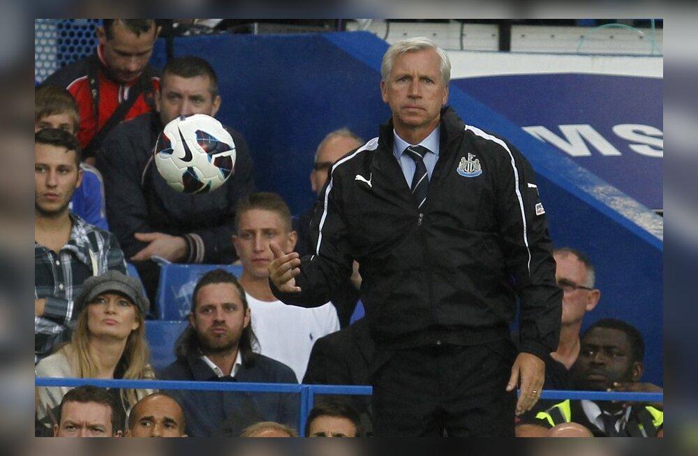 Alan Pardew, Newcastle Unitedi peatreener