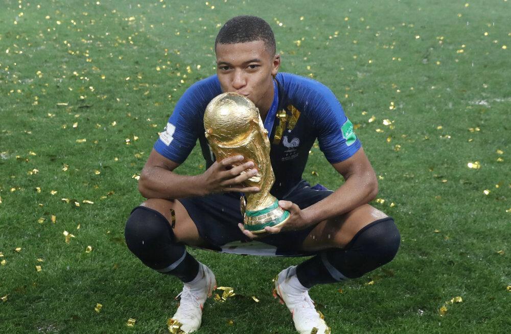 Мбаппе, 19 лет, лучший молодой игрок ЧМ