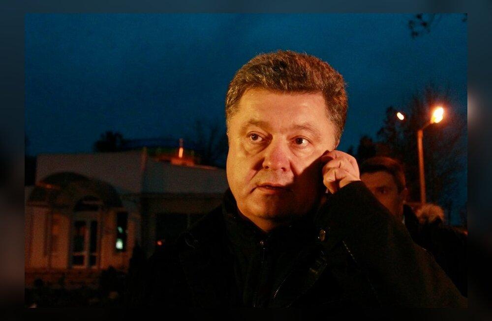 Porošenko rääkis telefoni teel Merkeli ja Hollande'iga ning nõudis Donetski rahvavabariigi terroriorganisatsiooniks tunnistamist