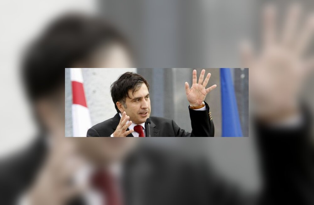 Саакашвили Франции: не продавайте РФ Mistral