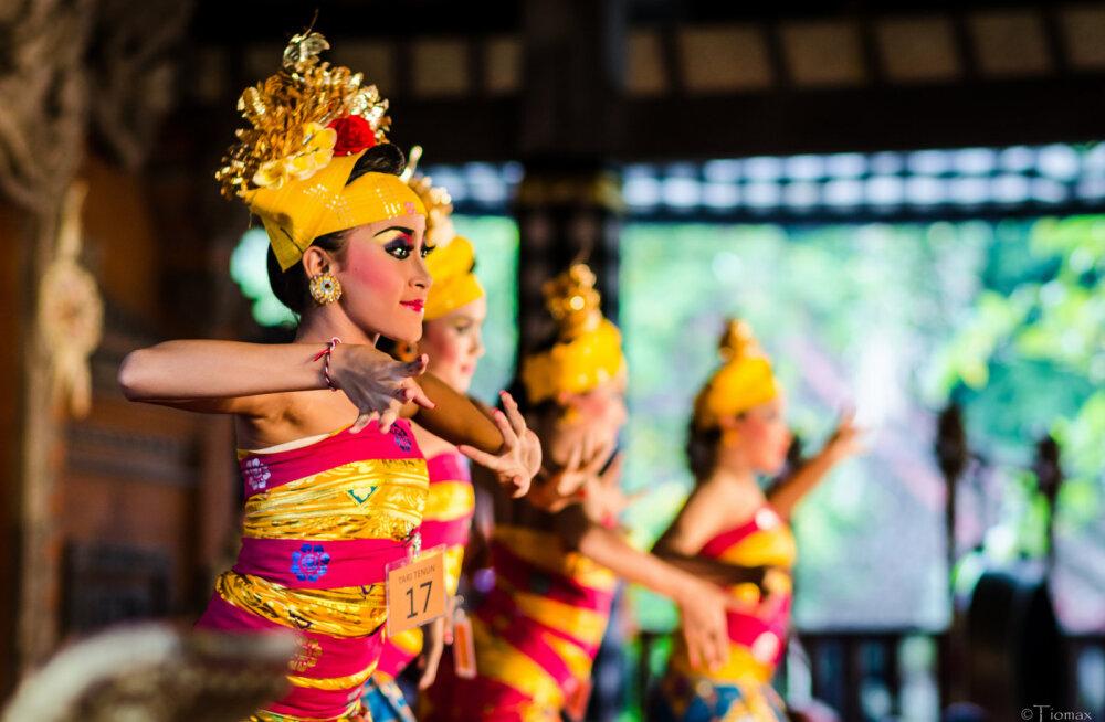Власти Бали решили нажиться на туристах