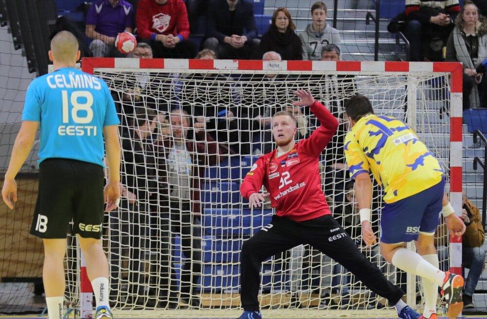 Väravavaht Rasmus Ots võttis tõrjetega vastastelt õige mängulusti.