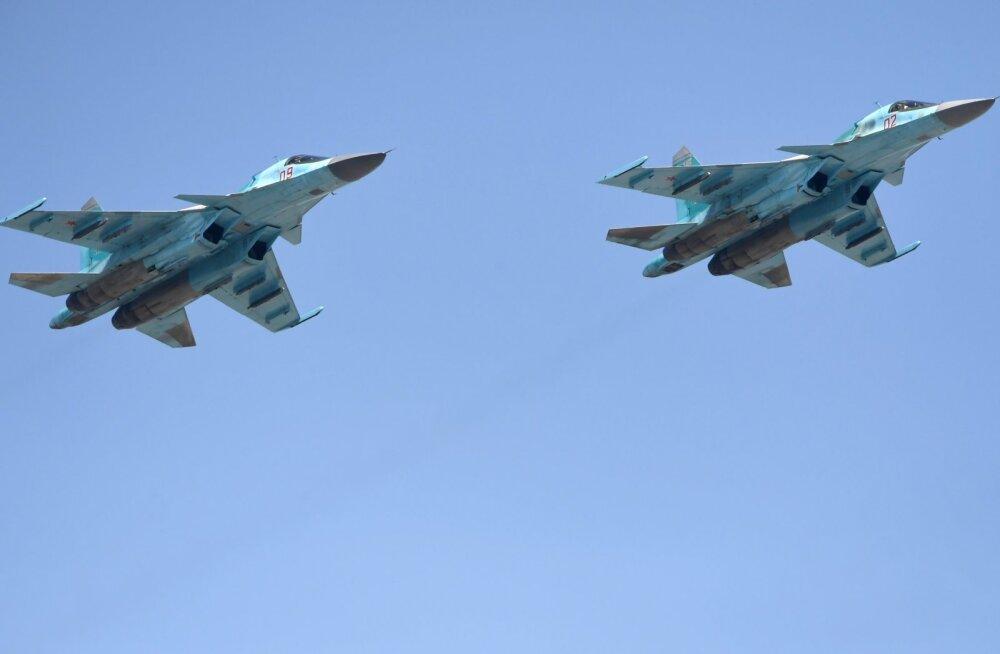 Venemaal põrkas õhus kokku kaks sõjalennukit Su-34, aga mõlemal õnnestus siiski maanduda