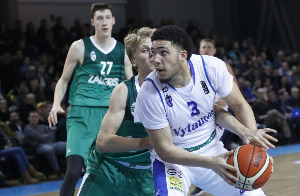 Tulevane NBA drafti esimene valik? LiAngelo Ball viskas Leedus 72 punkti!
