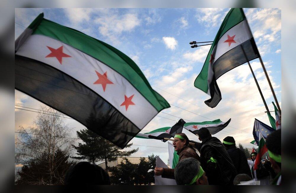 ÜRO vaatlejad peatavad missiooni Süürias.