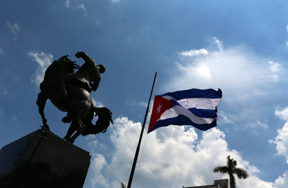 Trump peatab regulaarlennuühenduse Kuubaga