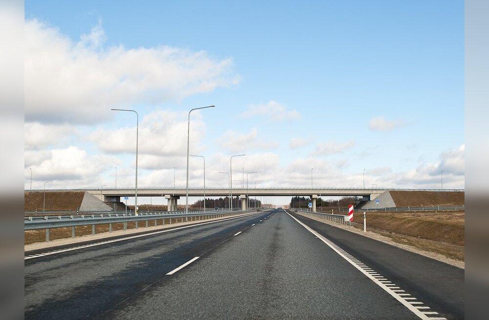 ERR: Vaidlus eraldusriba laiuse üle venitab Tartu maantee ehitamist