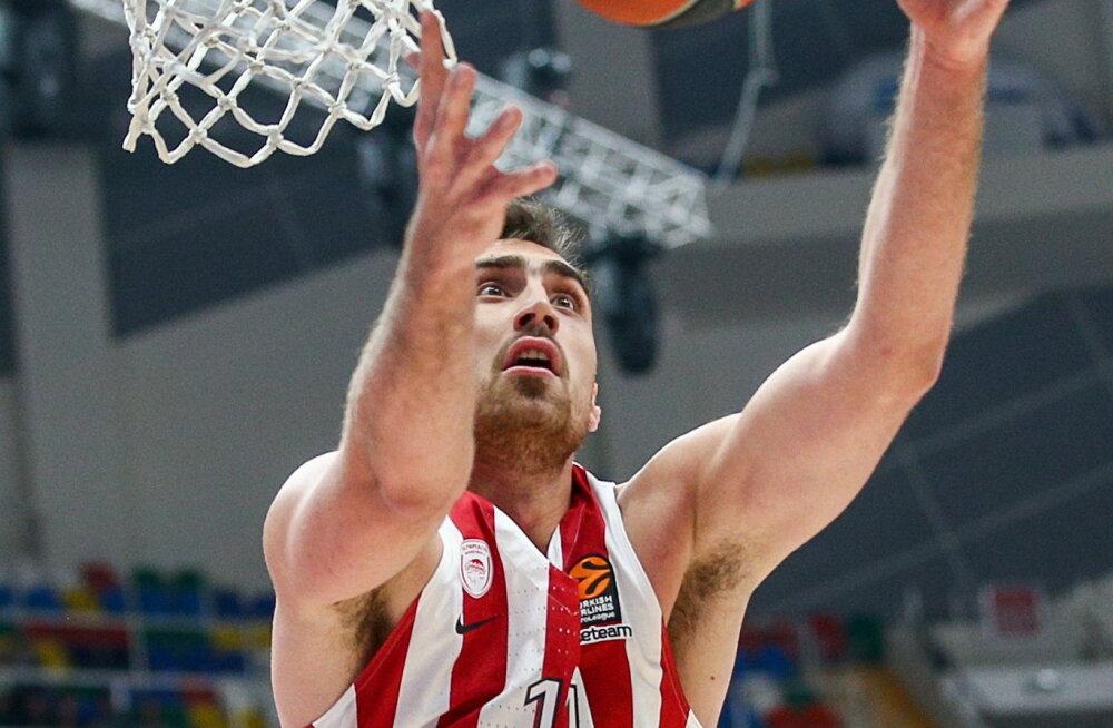 Olympiakose mängumees Nikola Milutinov