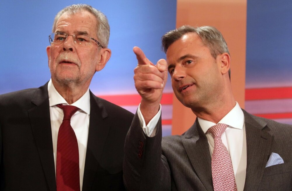 Norbert Hofer (paremal) püüdis televäitluses rivaalile Alexander Van der Bellenile õiget suunda kätte näidata.