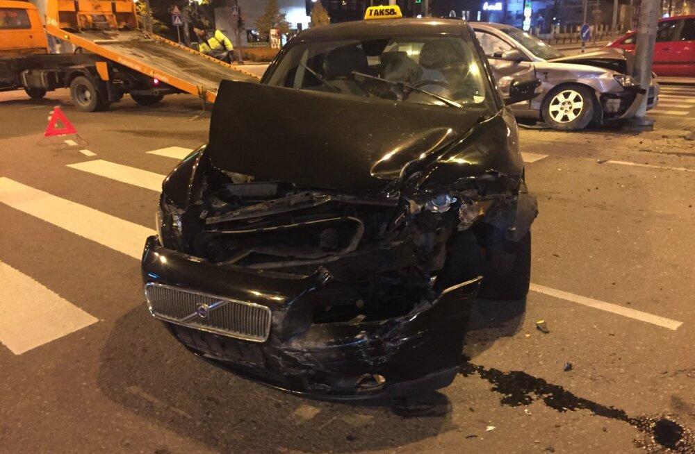 Stockmanni ristis juhtus liiklusõnnetus