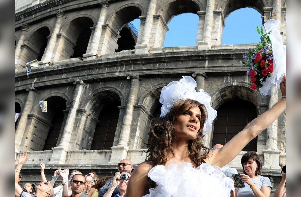 FOTOD: üle 500 000 inimese osales Roomas toimunud geiparaadil
