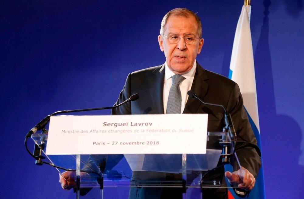 Lavrov: Ukraina sponsorid peavad teda karmilt hoiatama tulega mängimise eest