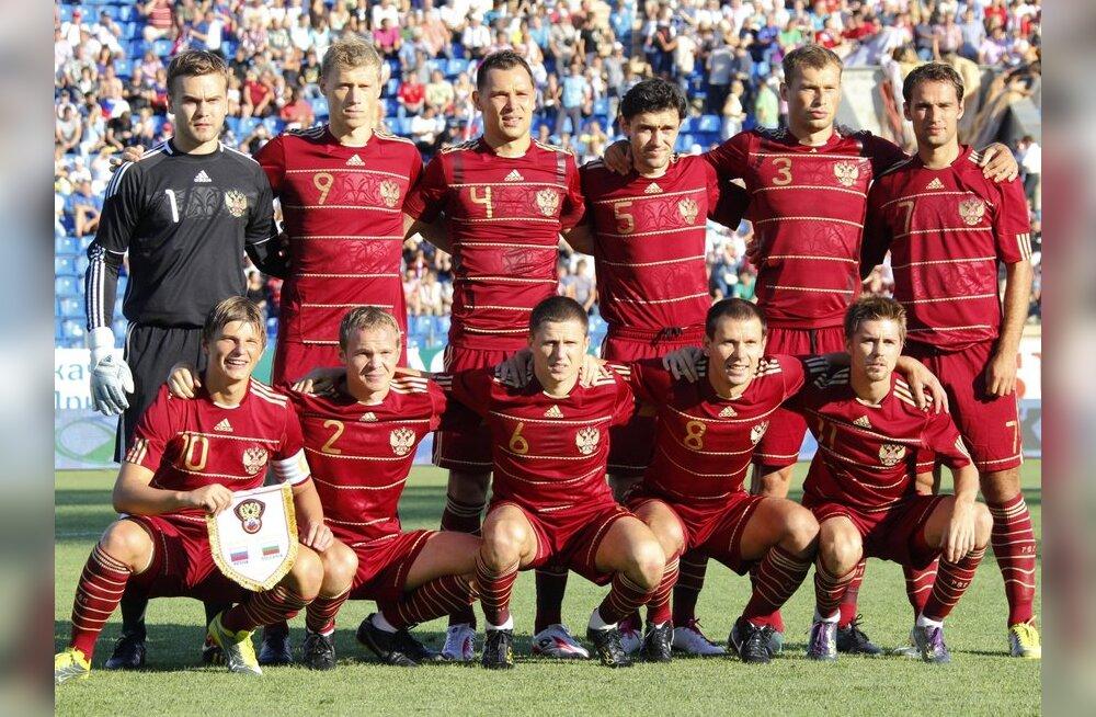 Venemaa peatreener lubab EMile jõudmise korral jalgpalluritel end täis juua