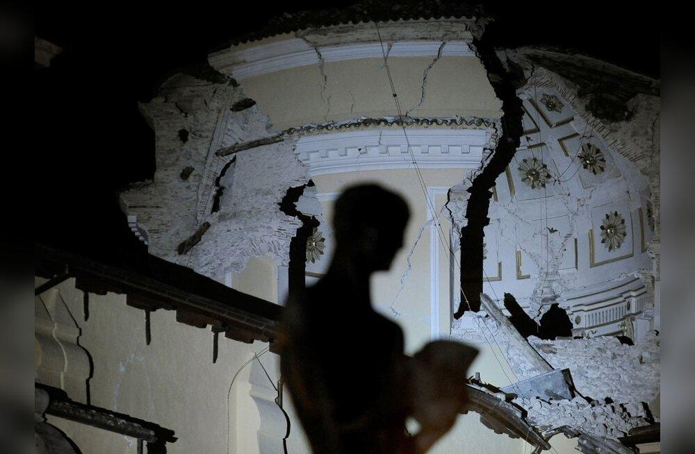Hävitava maavärina eel rahvast rahustanud Itaalia teadlasi ootab tapmissüüdistus