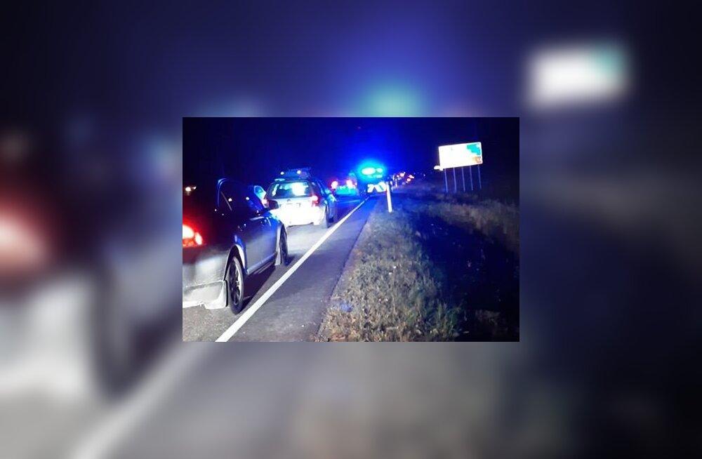 FOTO | Läänemaal sai avariis viga kolm inimest. Liiklus sündmuskohal on häiritud