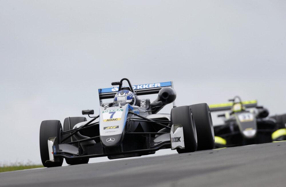 Ralf Aron sõitis F3 etapil Zandvoortis kahel korral punktidele