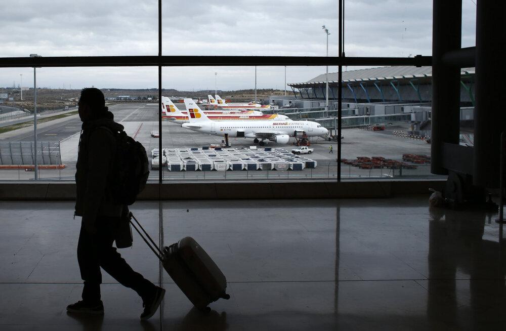 """Hispaanlased otsivad pikka aega lennujaamas seisnud """"kummituslennuki"""" omanikku"""