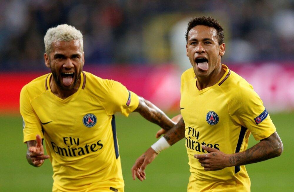 Dani Alves ja Neymar.
