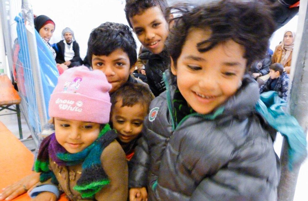 Lastel on Freilassingus oodates igav ja nad tulevad meeleldi uudistama, kes neid pildistada tahab.