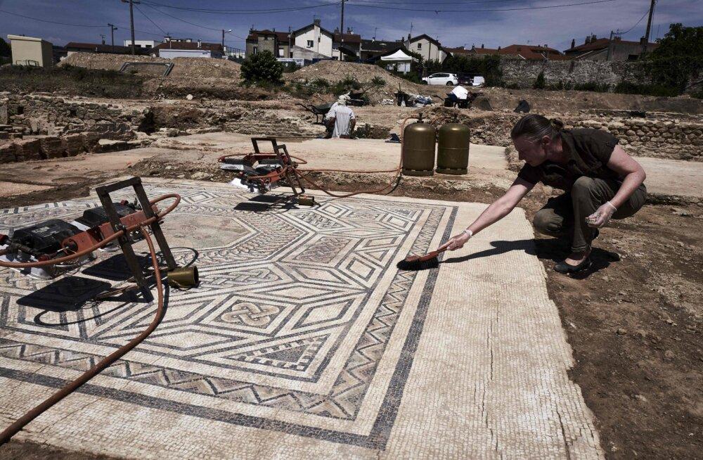 """Poolesaja aasta olulisimad Vana-Rooma leiud: Prantsusmaal kaevatakse parasjagu välja """"väikest Pompeid"""""""